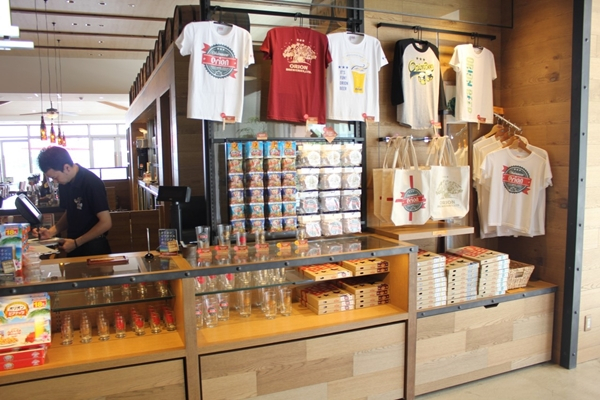 ライカム オリオンビール カフェ 書店4